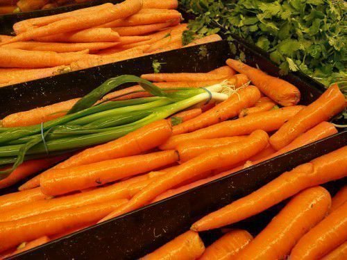 Морковь в ящике