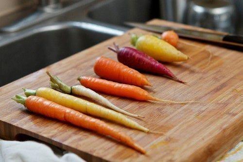 Разноцветные морковки