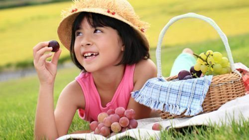 Виноград ребенку