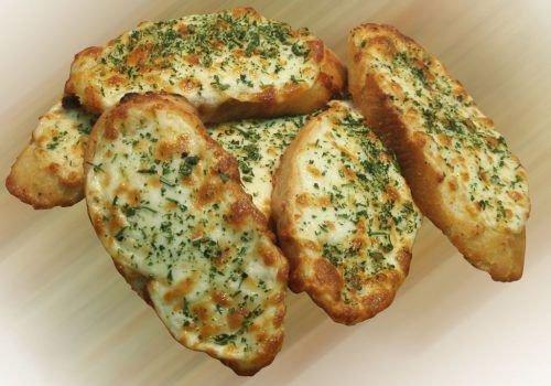 Гренки с чесночным сыром