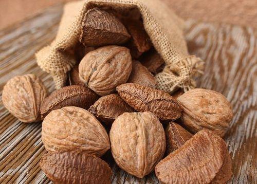 Орехи в мешочке