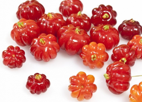 суринамская вишня