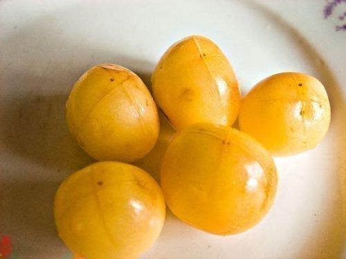 Желтая черешня
