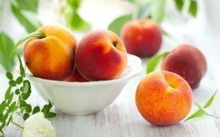 Правила посадки персика