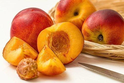 нектарин гибрид каких фруктов